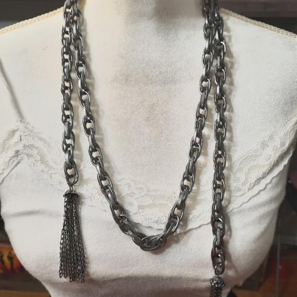 Paparazzi-Gunmetal Scarf Necklace Set